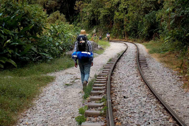 Machu picchu path - Train tracks