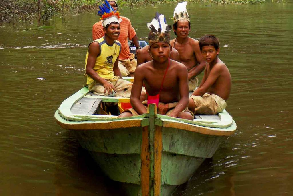 This Tambopata Reserve Tour is in the pure Peruvian Amazonas. Visiting the Sandoval Lake, Madre de Dios River, Monkey island and adventure activities.